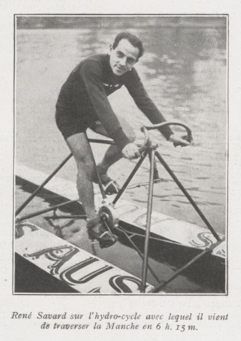 René Savard sur son hydrocycle